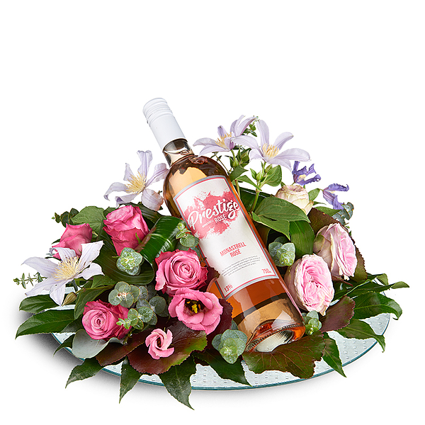 Flower arrangement with rose prestige wine